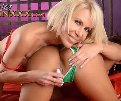Erica Lauren plays with her hot..