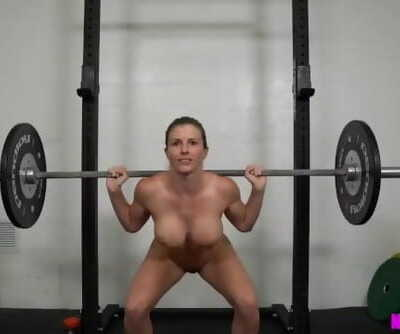 Muscle MILF Works out Naked -..