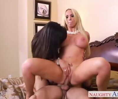 Hot Wives Lisa Ann and Nikki Benz..
