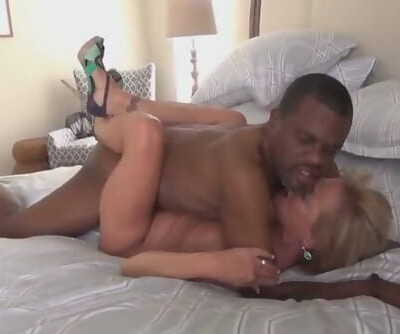 Sexy Blonde Granny with BBC Big..