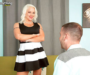 Busty mature veronica vaughn fucks a boy - part 1574