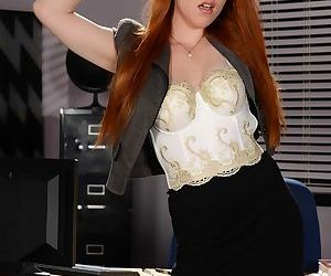 Redhead stepdaughter Gwen Stark strips naked in her stepmoms office