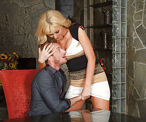Stunning blonde Sasha Sean is sucking a good dick on the camera