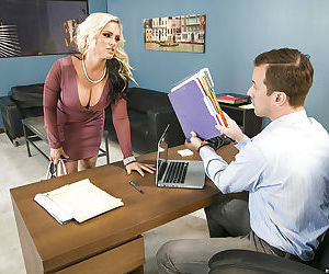 Blonde mom and secretary have threesome with principal on desk