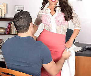 Kinky milf gabriella sky sucks and slurps stiffy - part 2796