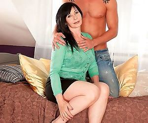 Euro fuck with horny mature brunette - part 2231