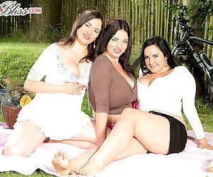 Big tit pussy picnic - part 302