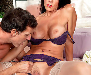 Hot mature woman introduces her boy toy to joys of anal sex in stockings - part 1998