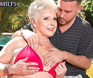 Busty granny jewel fucking cock twice her age - part 4251
