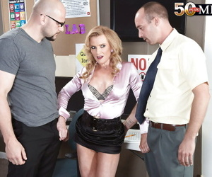 Naked mature Amanda Verhooks office hardcore with two guys