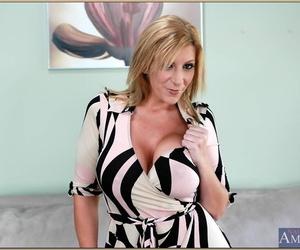 Seduced By A Cougar Johnny Castle- Sara Jay