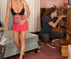 Hot granny seduces the cable installer for first interracial sex experience
