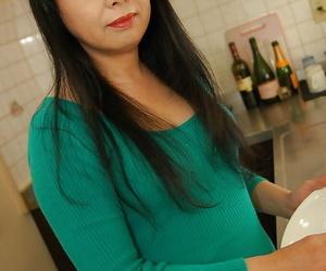 Naughty asian mature lady Sachiko Matsushita getting rid of her clothes