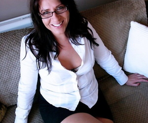 MILF in ripped pantyhose Amber Rodgers has wild anal session with her lover