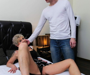 Good looking granny sucks a tasty dick before getting her pussy filled