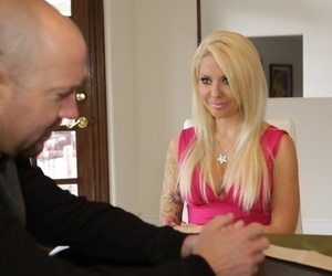 Cougar with blond hair Helly Mae Hellfire gives a head to one endowed man