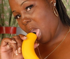 Fatty mature ebony Subrina plays with her lovely yellow sextoy