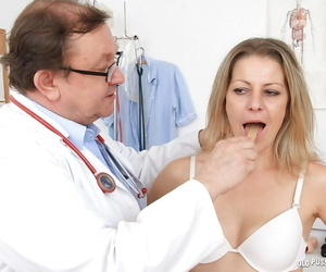 Snazzy mature wants to play with her doctor in adult games