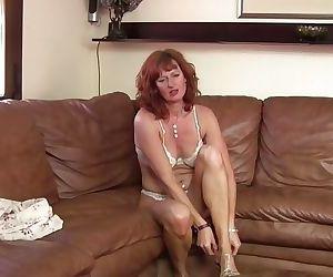 Amateur sporty mom next door makes home video