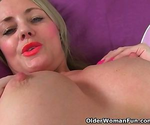 British milf Sofia needs to satisfy her sexual craving