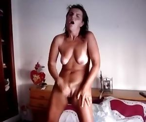 Hairy tanned wife has standing orgasm