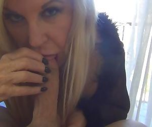 GILF Anneke gets fucked and squirts