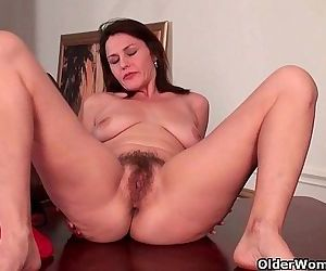 My favorite hairy milfsHD