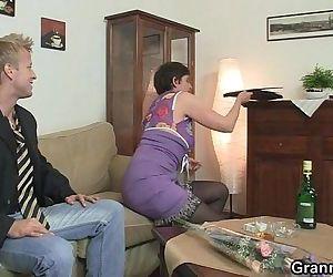 Hot sex with slutty granny - 6 min