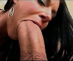 India Summer gets her milf muff split in two - 7 min