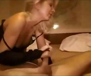 Amateur German milf gets fucked - 9 min