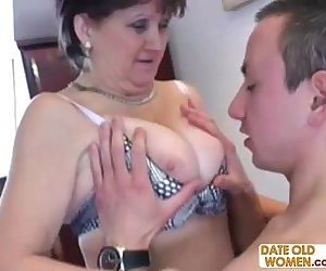 Russian granny fucked on the kitchen table - 9 min