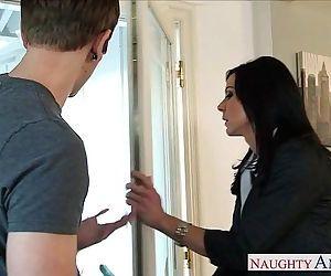 Superb mom Kendra Lust gets nailed - 8 min HD