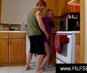 SON HELPS MOM WITH A LIFT AND A CREAMPIEwww.FILFSEX.site 10 min HD