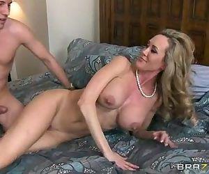 Stepmom Brandi Love (full hd on HDpornbase.com) - 2 min