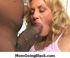 Interracial Sex : Monster black dong fucks white mature pussy 8