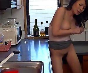 mom looks so hotLASTDIRTY.COM 18 min HD