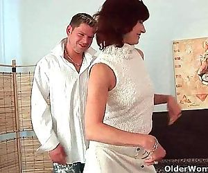 Granny Wanda gets a good fuck and creamy facial - 6 min HD
