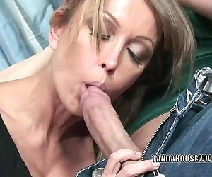 Mature slut Kristina Cross takes all the jizz on her faceHD