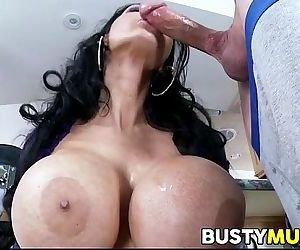 Amy Anderssen has big tits - 7 min