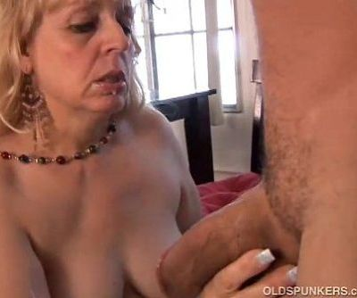 Mature BBW gives a great blowjob - 5 min