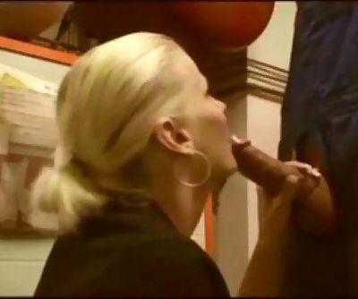 Amateur German milf gets fucked