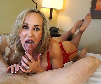 Insanely hot MILF treats your cock to a sensual sucking