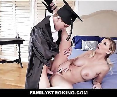 Big Tits Blonde MILF Step Mom Kenzie Taylor Makes Good On Promise To Fuck Step Son If He Graduates From College 8 min..