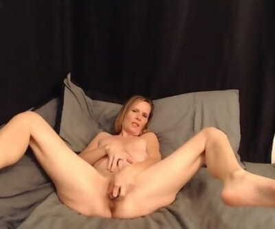 Sexy MILF does JOI and Squirts for the first Time!!!!!