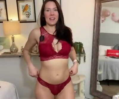 Sexy Kiki Show us the Hot Lingerie