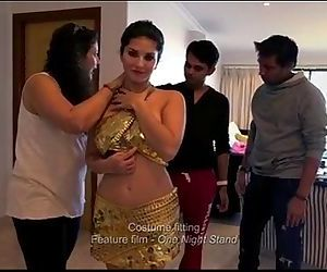 Sunny Leone - Movie clips and hot..