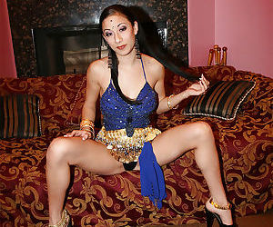 Seductive indian lady revealing..