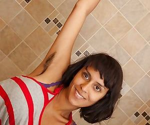 Smoking hot Indian babe with..