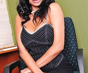 Curvy indian MILF Priya Rai stripping and spreading her legs