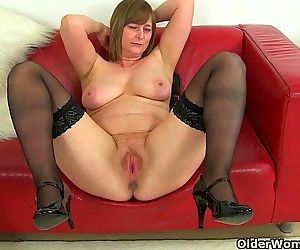 British milfs April and Red take..